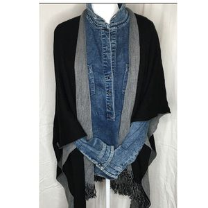 Coldwater Creek light weight Black and Gray Wrap